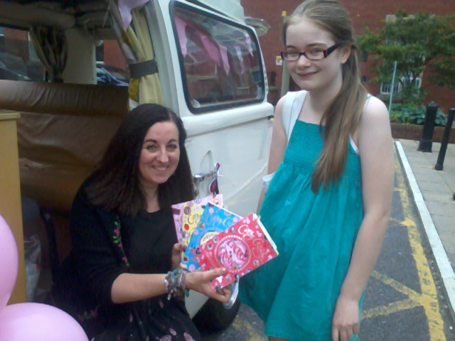 Happy Reader: The blogger's daughter meets her favourite writer, Cathy Cassidy