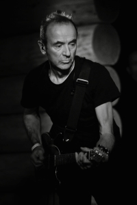 True Gent: Hugh Cornwell in live action