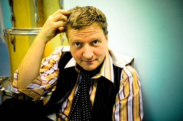 Dapper Glenn: Backstage with Glenn Tilbrook