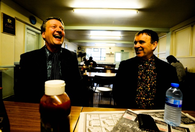 Dynamic Duo: Glenn with Chris Difford (Photo copyright: Danny Clifford 2009)