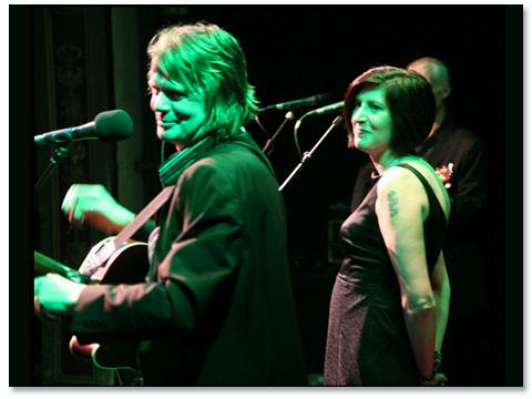 Band Days: Boff Whalley with Alice Nutter at Chumbawamba's 25th anniversary gig in 2007 (Photo: http://www.chumba.com/)