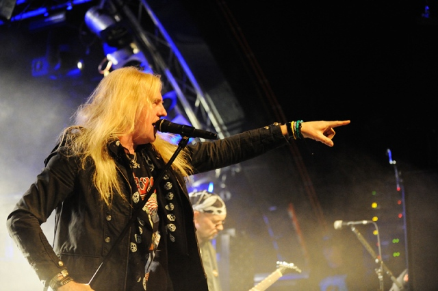 Point Made: Biff Byford in live action in Hamburg (Photo: Kai Swillus)