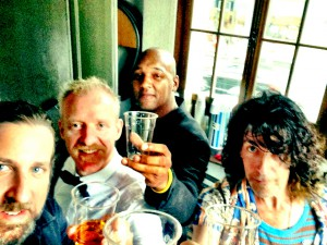 Cheers Boys: The band raise their respective glasses (Photo: www.spindoctors.com)
