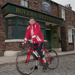 Rover's Return: Paul Heaton displaying his pedal power