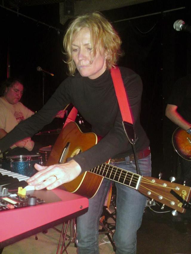 Multi Tasking: Jo lets loose at the keyboard, live (Photo: Jo Bartlett)
