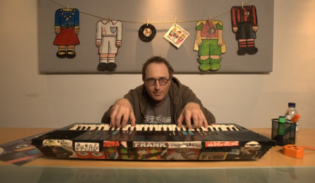 Three Chords: Jon Ronson 's mastery of the keyboard led to a glimpse into the star-studded world of showbusiness (Photo: https://www.kickstarter.com)