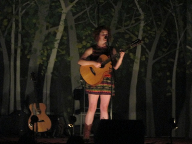 Woodland Setting: Lisbee Stainton, live at Ribchester Village Hall (Photo: Malcolm Wyatt)