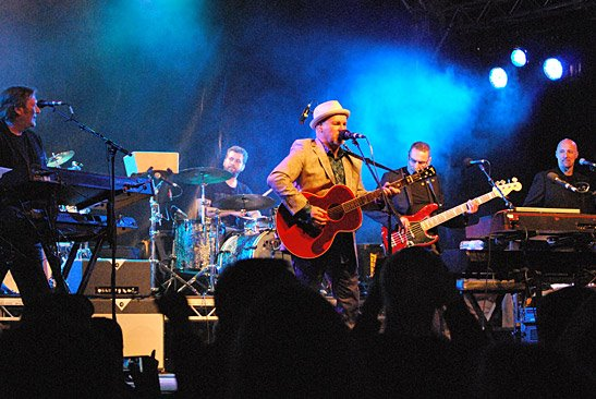Live Presence: From the left - Paul Copley, Jack Carrack, Paul Carrack,  Jeremy Meek, Steve Beighton
