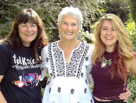Recording Icon: Peggy Seeger flanked by Helen Meissner from Folkstock Records and recording engineer Lauren Deakin-Davies (Photo: Armistice Pals)