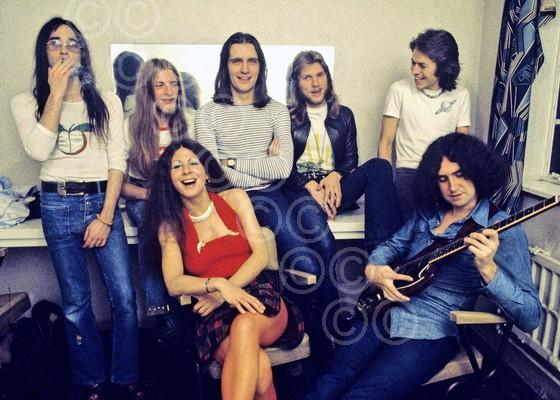 Vingar Joe: Elkie Brooks at Aylesbury Civic Centre in late 1972 with her former band, including Pete Gage and Robert Palmer (Photo: Brian Cooke Redferns / http://briancooke.e-printphoto.co.uk/)