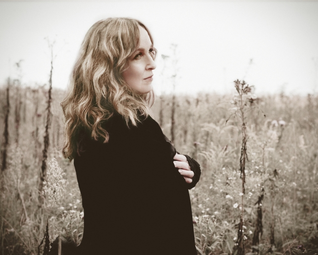 Darker Side: Gretchen Peters (Photo: http://www.gretchenpeters.com/)