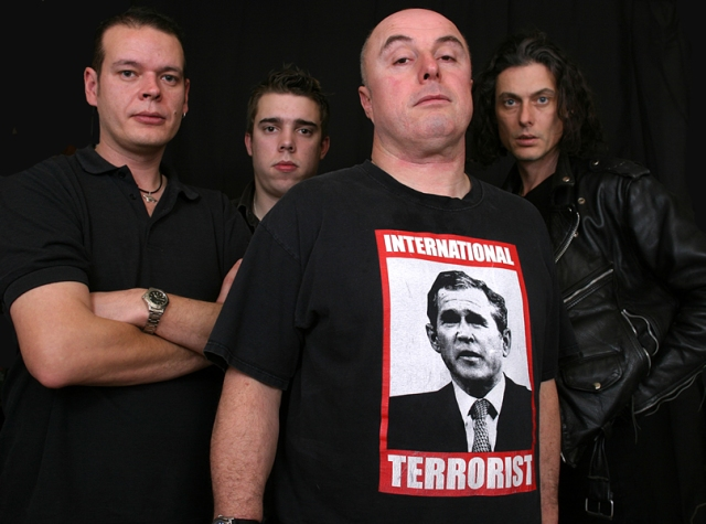 Band Substance: Attila the Stockbroker with Barnstormer (Photo: http://www.stereograffiti.com/)