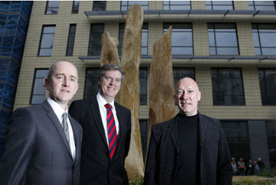 Wild Wood: Sculptor Richard Heys,  Barratt Homes MD John Fitzgerald and Rick Buckler at the 2012 unveiling of Richard's work (Photo:  http://musiccornershop.blogspot.co.uk/)