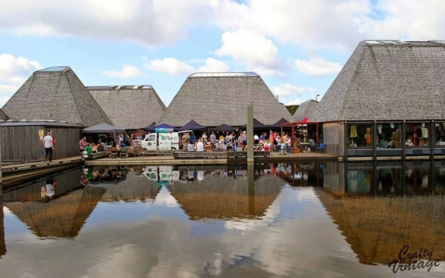 Vintage Setting: Brockholes will play host to New York Tourists, acoustic style