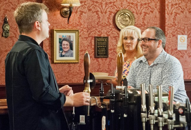 Rovers Return: Justin as Dean Upton, at the bar with Liz McDonald (Beverley Callard), talking to Steve McDonald (Simon Gregson) on Coronation Street (Photo: ITV / www.itvpictures.com)