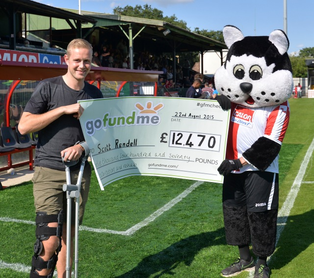 Cheque Mate: Scott Rendell and KC Kat visually reveal the success of the rehab campaign (Photo: David Holmes)