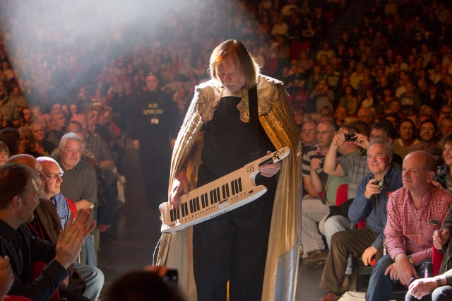 Caped Crusader: Rick Wakeman in live action (Photo: Lee Wilkinson /(http://www.lwmultimedia.co.uk/LWMultimedia.html)