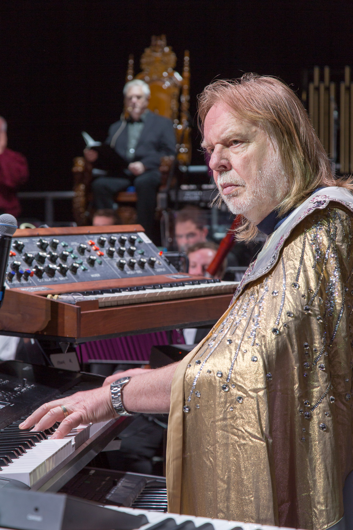 Prog legend rick knocks out a mighty tune photo lee wilkinson