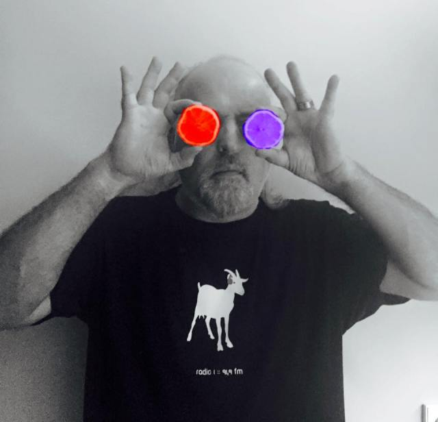 Vitamin Vision: Bill Bailey sees it as it is (Photo: https://www.facebook.com/BillBailey/)
