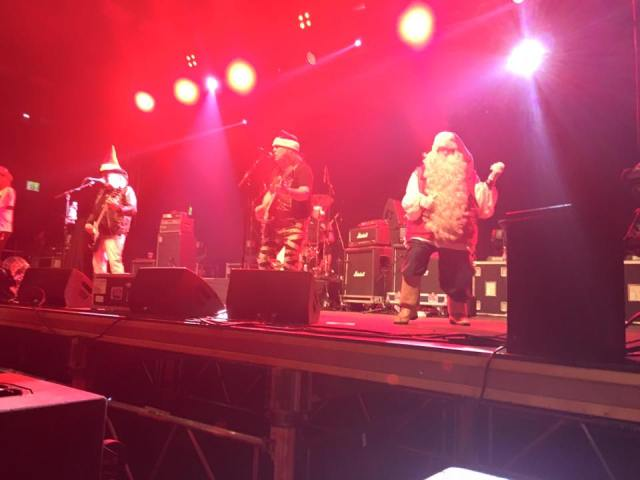 Merry Xmas: Every Santa has a ball in Rovaniemi (Photo: The Official Slade Facebook Page)