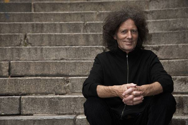 Naturally Alone: Gilbert O'Sullivan proves that one can be company too