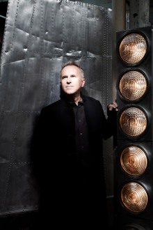 Light Entertainment: Howard Jones