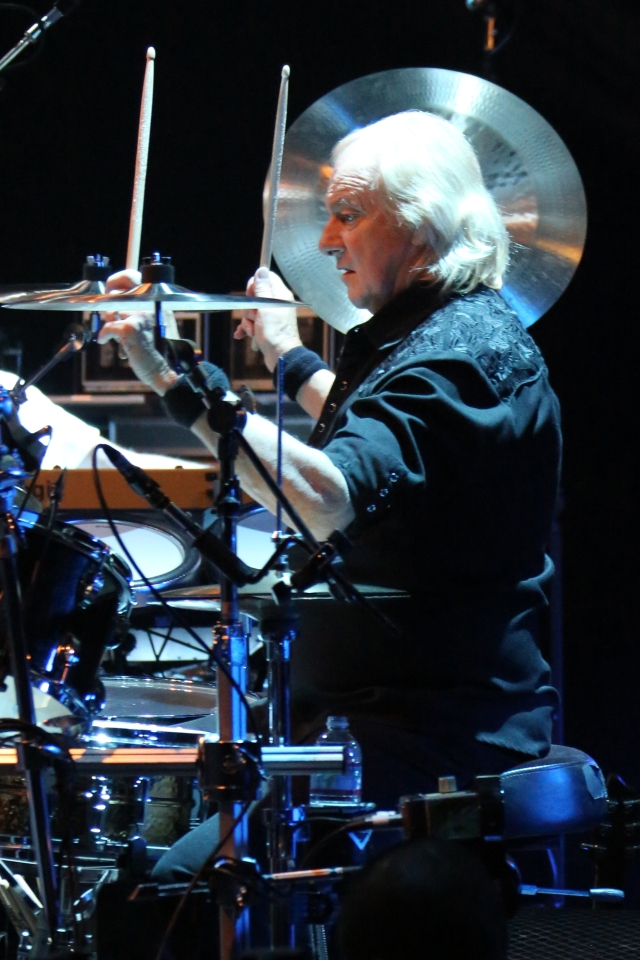 White Noise: Longest-serving Yes member Alan White in live action (Photo: Glenn Gottlieb).