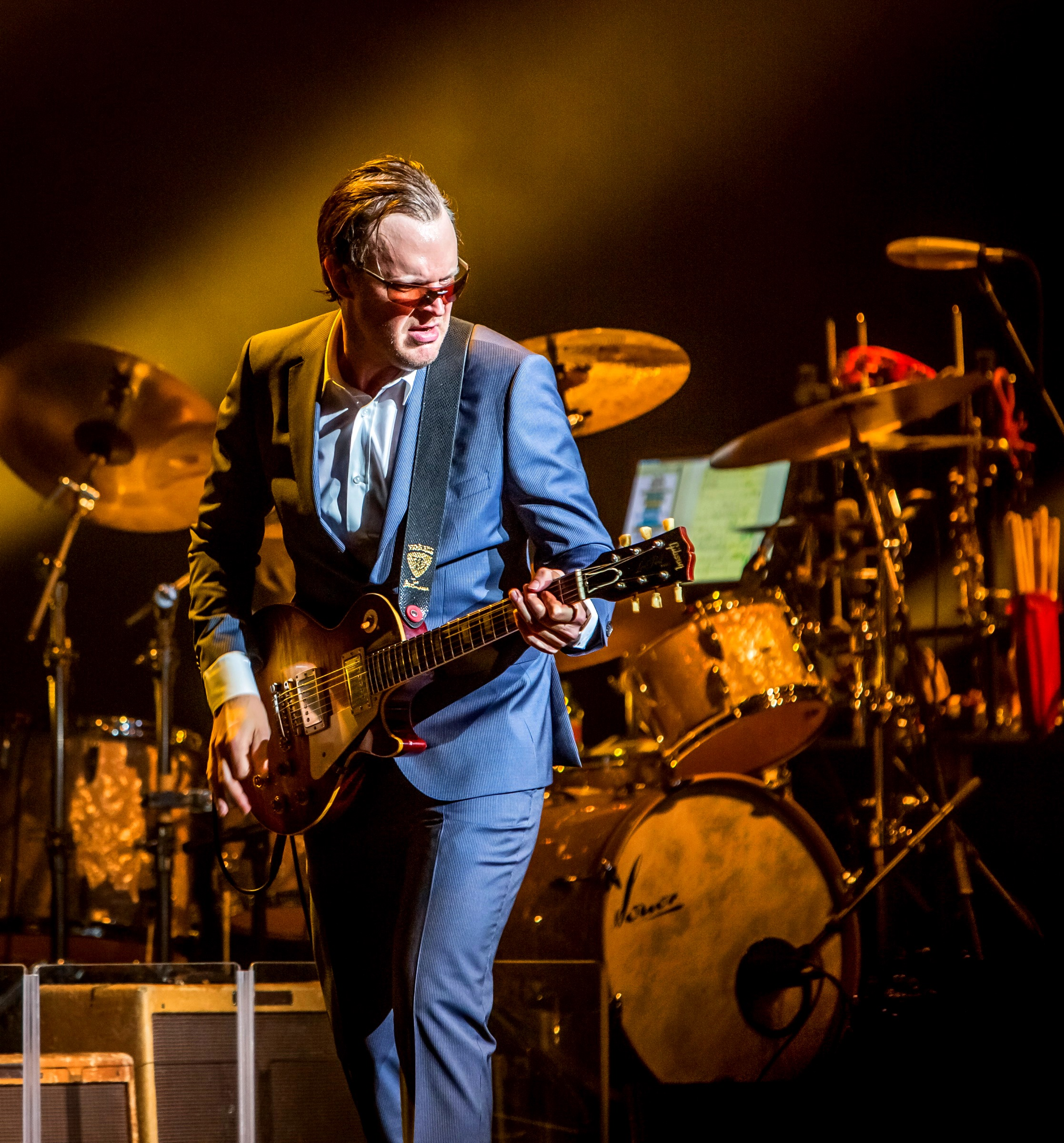 paying homage to the blues the joe bonamassa interview writewyattuk. Black Bedroom Furniture Sets. Home Design Ideas