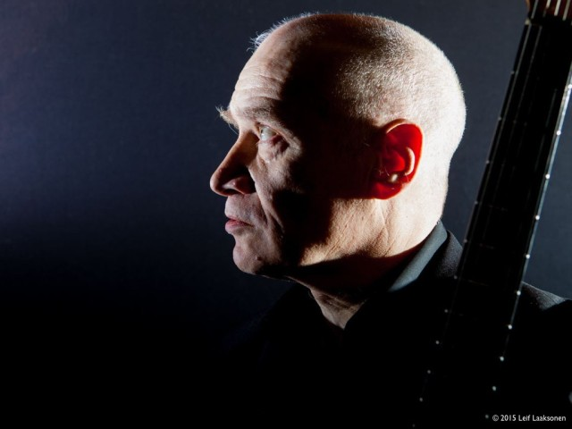 Reflective Mode: Wilko Johnson (Photo copyright: Looking Back: Leif Laaksonen)