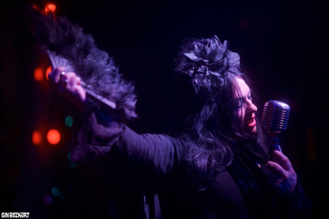 Live Presence: Rose gives it her all for London's Double R Club (Photo copyright: Sin Bozkurt)