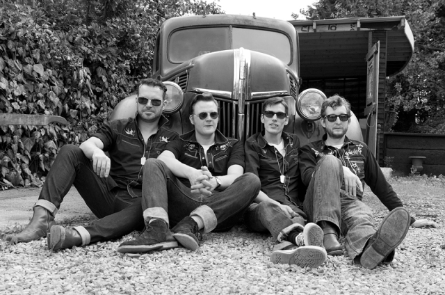 Truck'n'Roll: Doug Perkins and the Spectaculars (Photo: Dave Brown)