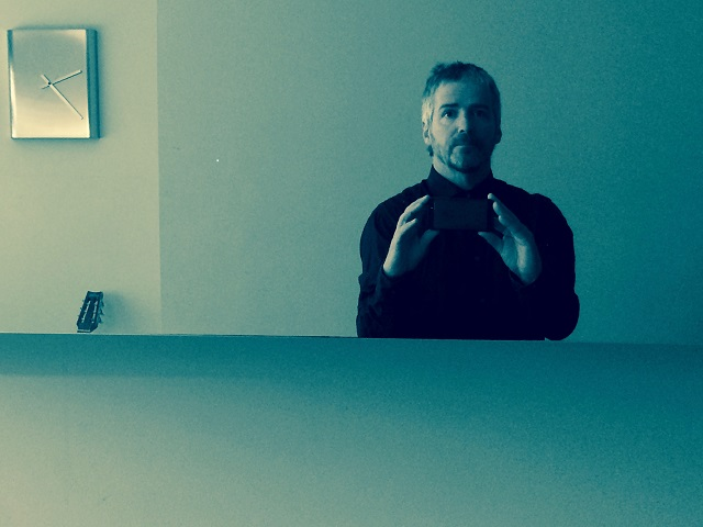 Finger Style: John Bramwell, from across the table